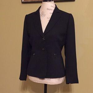 Tahari Arthur S. Levine pinstripe blazer size 8P.